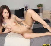 Leyla Black - Hairy Cooch - Mike's Apartment 4