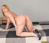 Eve Fox - Foxy Lady - Mike's Apartment 3