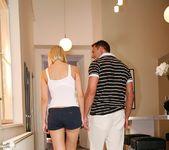 Mandi Dee - Bangin Hot Blonde - Mike's Apartment 5