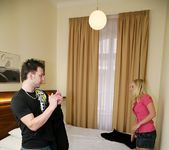 Marry Queen - Marry Me - Mike's Apartment 7