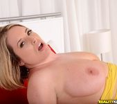 Maggie Green - Vag Visual - MILF Hunter 9