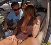 Lindsey Lovehands - Bikini Queen - MILF Hunter 3