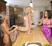 Mandi Moretti, Brianna Ray, Kristen Cameron - MILF Next Door 9