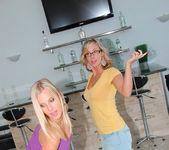 Mindy Vix, Brianna Ray & Kristen Cameron - MILF Next Door 2
