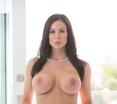 Kendra Lust, Sara Luvv - Luvv To Love Ya - Moms Bang Teens 2