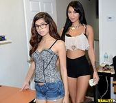 Ava Taylor & Esmi Lee - Pro Blow - Money Talks 8