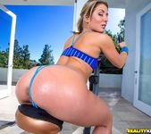 Sheena Shaw - Banging That Body - Monster Curves 3