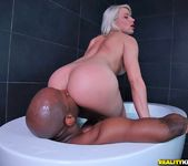 Annika Albrite - Bathtub Beauty - Monster Curves 7