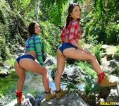 Kristina Rose and Jada Stevens - Monster Curves 3