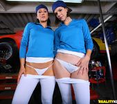 Bobbi Starr & Alexis Malone - Racey Curves - Monster Curves 3