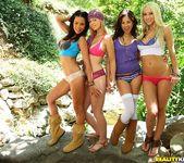 Hayden Winters, Kirsten Price, Sammie Rhodes, Shyla Jennings 2