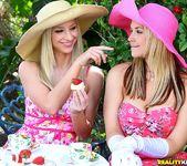 Natalie Nice, Sammie Rhodes, Sarah Vandella - Tea Time 4