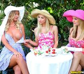 Natalie Nice, Sammie Rhodes, Sarah Vandella - Tea Time 5