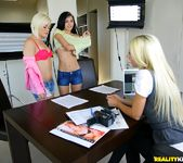 Ash Hollywood, Sammie Rhodes, Zoe Kush - We Live Together 4