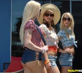 Louisa Lanewood,Lux Kassidy,Sammie Rhodes - We Live Together 3
