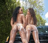 Leilani Leeane, Stacie Lane - Twerk Time - Round And Brown 4