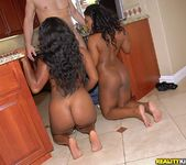 Jayden Starr, Yasmine Loven - Round And Brown 8