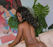 Jayden - Hart Shaped Booty - Round And Brown 10