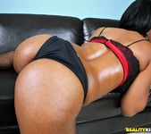 Alia Starr - Got It All - Round And Brown 6