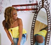 Kaylyn Carter - Get It Good - Round And Brown 2