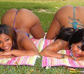 Caramellito Xxx, Mz Satin Lace - Round And Brown 2