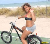 Caramellito Xxx - Bikes And Booty - Round And Brown 6