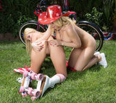 Aaliyah Love, Kagney Linn Karter - My Wife's Hot Friend 7