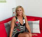 Aarrie - Cute blonde milf showing her body 3