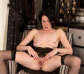 Victoria Ross - Fingering Herself 21