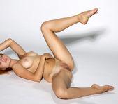 Yanina - naked artistic photoshoot 14