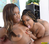 Harmonie Marquise & Diamond Monroe - Round And Brown 7