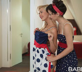 A Woman's Touch - Aiko May, Tracy Lindsay 15