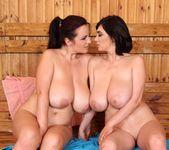 Joanna Bliss & Luna Amor 16