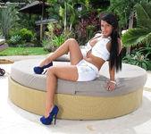 Venus Arias - InTheCrack 2