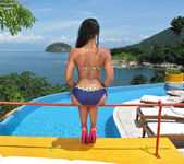 Ria Rodriguez - InTheCrack 3