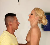 Vanda Lust - New Cummer - Mike's Apartment 6