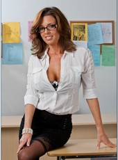 Veronica Avluv Galleries
