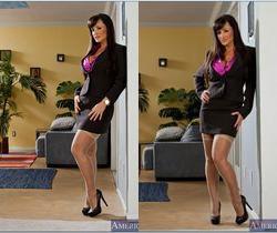 Lisa Ann - Seduced By A Cougar