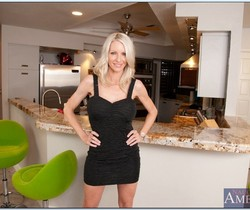 Emma Starr - Housewife 1 on 1