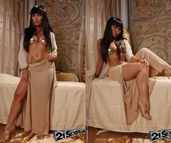 Kathia Nobili, Leyla Black