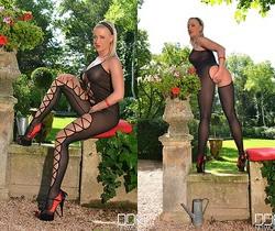 Vicktoria Redd - Hot Legs and Feet