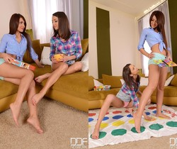 Alexis Brill & Foxy Di - Hot Legs and Feet