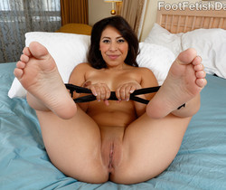 Nicole Ferrera Has Her Smooth Soles Licked and Pussy Fucked