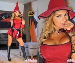 Destiny Dixon - The Sexy Witch of Halloween - Club Sandy