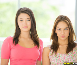 Daisy Summers, Sara Luvv - Sexy Sara - We Live Together