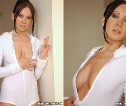 Stunning Brunette Beauty Isabella Shows Her Wonderful Tits