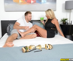 Becki - Lusty Becki - MILF Hunter
