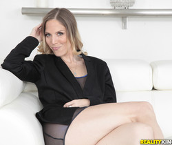 Samantha Sheridan - Sheer Seduction - MILF Hunter