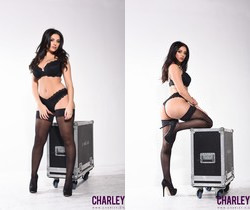 Charlotte seduces us on the music equipment