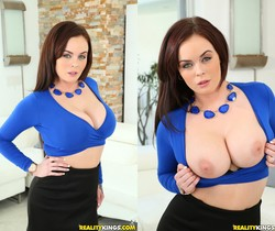 Roxii Blair - Rocking Roxii - Big Tits Boss